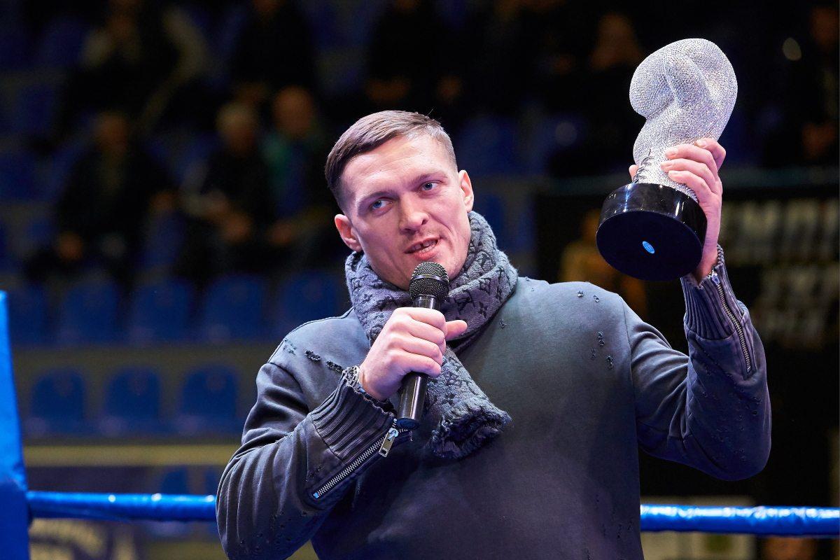 Легендарный украинец получил в Харькове исторический трофей (фото)
